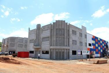 Veja fotos de como estão as obras do novo parque temático de Foz do Iguaçu