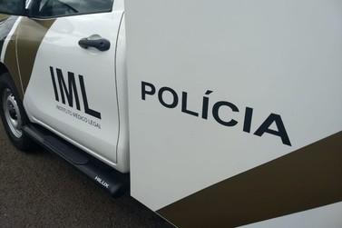 Homem é encontrado morto enroscado na janela de posto de saúde