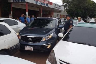 Taxistas declaram 'guerra' contra aplicativos Muv e Uber em Cidade do Leste