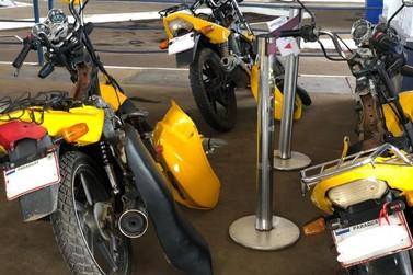 Três motos são apreendidas com R$ 50 mil em produtos do Paraguai