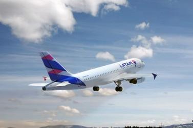 Latam amplia de dois para 16 os voos semanais diretos entre Foz e Curitiba
