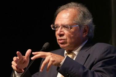 Ministro da Economia sugere viagem a Foz do Iguaçu para contornar dólar alto