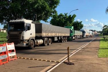 Caminhões que estavam parados em Iguazú foram liberados para cruzar a fronteira