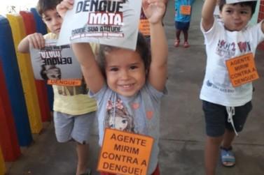 Escolas e CMEIS de Foz do Iguaçu reforçam ações de combate à dengue