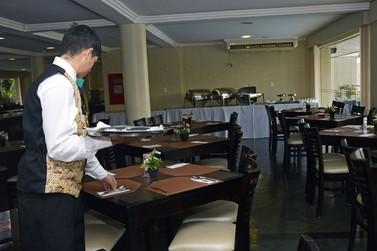 Sindhotéis e Sindicato dos Trabalhadores fazem novo acordo para evitar demissões