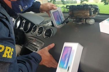 Mulher é presa com celulares escondidos em painel de carro na BR-277