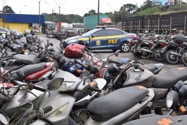 """PRF promove leilão de 70 veículos em Foz do Iguaçu, exclusivamente """"online"""""""