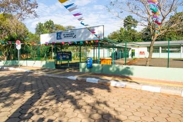 Escola Municipal de Foz do Iguaçu promove Festa Julina no formato Drive Thru