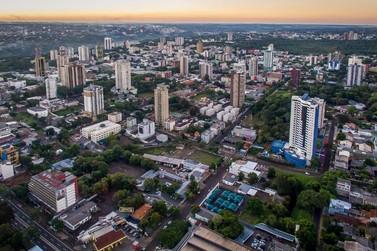 Foz do Iguaçu tem queda no número de casos de Covid-19 pela segunda semana