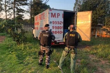 PRF e PM recuperam caminhão roubado e transportando agrotóxico de maneira ilegal