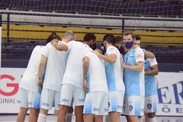 Foz Cataratas Futsal é goleado por 7 a 2 pelo Siqueira Campos na Liga Paraná