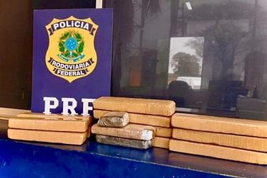 Polícia Rodoviária Federal prende homem transportando 13,5 kg de maconha