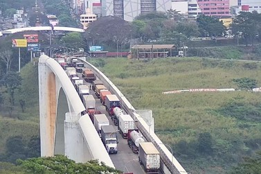 Ponte da Amizade pode reabrir em 26 de setembro, afirma jornal paraguaio