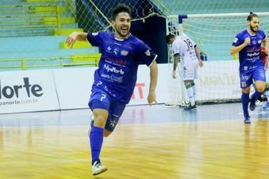 Com dois gols de Dener, Foz Cataratas Futsal bate Marreco pela Liga Nacional