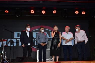 Dreams Motor Show é inaugurado em Foz do Iguaçu com direito a show de rock