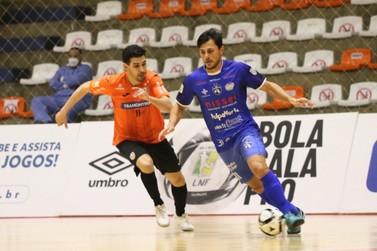 Foz Cataratas volta a perder para Carlos Barbosa e se complica na Liga Nacional