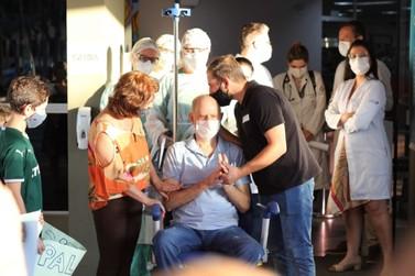Hospital Ministro Costa Cavalcanti celebra mais uma alta hospitalar da covid-19
