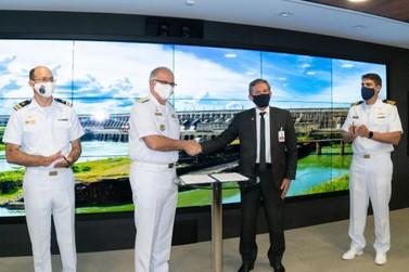 Marinha e Itaipu firmam convênio para reforçar segurança do reservatório
