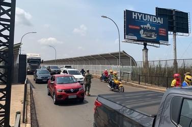 Migração Paraguaia e PRF reforçam orientações aos que vão atravessar a fronteira