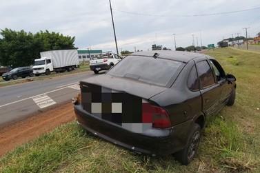 Polícia apreende veículo usado em roubo a turistas e identifica segundo suspeito