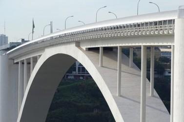 Ponte da Amizade segue aberta, apesar de nova portaria que fecha fronteiras