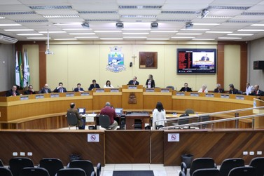Solenidade de posse dos vereadores, prefeito e vice de Foz será sem público