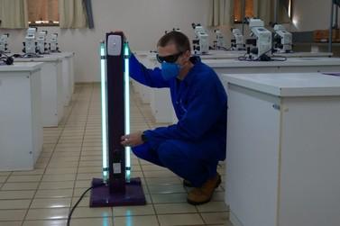 Servidores da Unila fabricam torres de desinfecção no combate à Covid-19