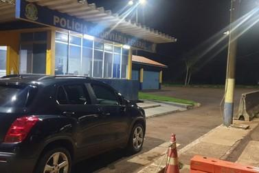 Veículo roubado em Cascavel é recuperado no início da madrugada na PRF