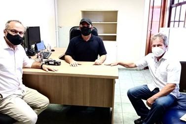 Vice-prefeito conhece estrutura de governo e visita bairros em Foz do Iguaçu
