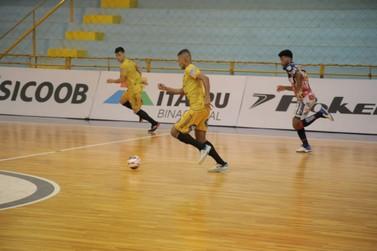 Foz Cataratas e Cascavel empatam em 4 a 4 em jogo treino no Costa Cavalcanti