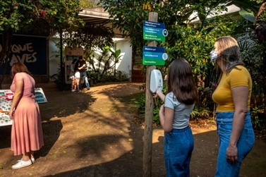 Parque das Aves volta a fechar para o público às segundas-feiras em Foz