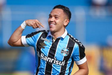 Revelado no Foz FC, Pepê é vendido pelo Grêmio ao Porto por 15 milhões de euros