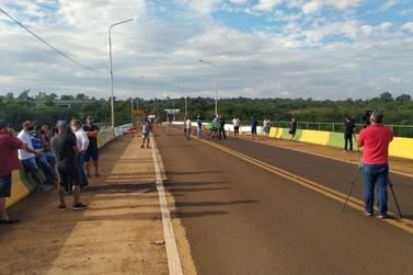 Caminhoneiros protestam na fronteira contra nova restrição da Argentina