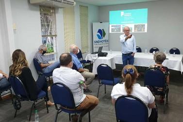 Entidades reforçam importância de integração para retomada do turismo em Foz