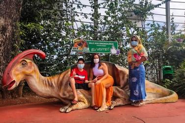 Iguaçuenses aproveitam o feriado para se divertir com segurança no Dreams Park