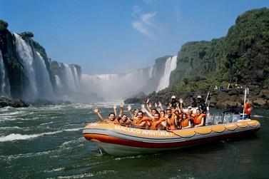 Passeio do Macuco Safari recebe moradores de Foz do Iguaçu no Domingo de Páscoa