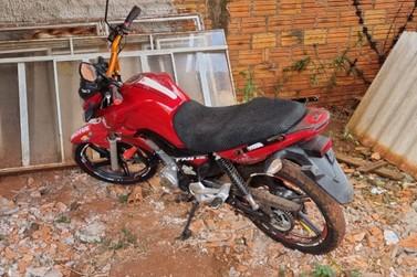 Policia Civil recupera motocicleta roubada na madrugada deste domingo (25)