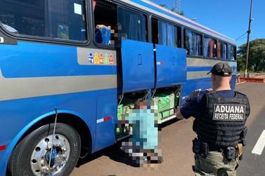 Receita Federal, BPFron e PRF retêm três ônibus em Santa Terezinha de Itaipu