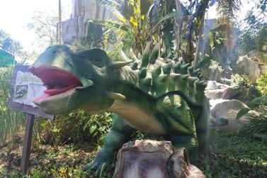 """Sete hotéis de Foz do Iguaçu abraçam o concurso de desenho """"Meu Dino Favorito"""""""