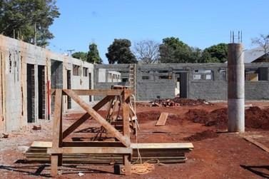 Obras de CMEI no Jupira e de escola no Jardim Lancaster têm ritmo acelerado