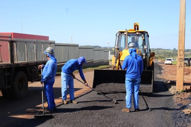 Prefeitura de Foz executa serviços de pavimentação no Parque Ouro Verde