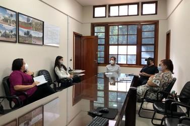 Educadores Municipais votam pela paralisação das atividades presenciais