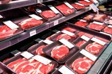 Pães, peixes e carnes puxam os preços da cesta básica de Foz do Iguaçu em maio