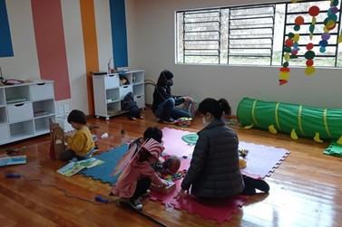 Biblioteca da Infância e Juventude retoma oficinas presenciais na Vila C