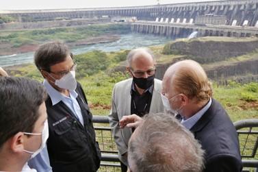 Foz do Iguaçu poderá ter voo direto com os EUA, diz ministro do Turismo