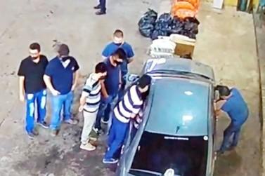 Funcionários flagrados supostamente cobrando propina ainda trabalham na Aduana