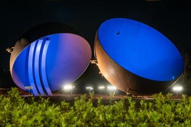 Itaipu Binacional ilumina edificações em referência à campanha Coração Azul