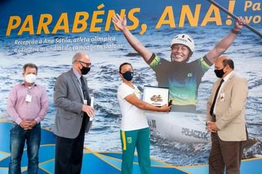 De volta da Olimpíada de Tóquio, Ana Sátila recebe homenagem na Itaipu