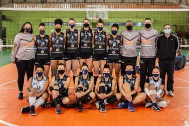 Time de vôlei de Foz do Iguaçu é campeão da Copa Cataratas de Voleibol Feminino