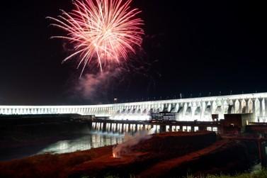 No Dia Mundial do Turismo, Itaipu anuncia volta da iluminação da barragem
